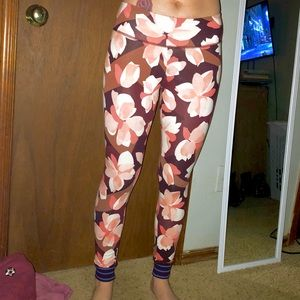 Aerie Floral Work Out Leggings 😍